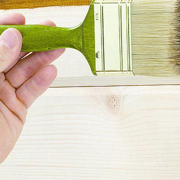 Прості правила фарбування деревини