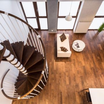 3 простих кроки для відновлення дерев'яних сходів